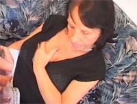 Dicke Oma mit Quarktitten zu Hause ficken Sexvideo