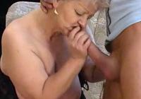 Dicke Oma fickt ihren Enkel im Granny Sexfilm