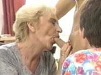 Alte Omas genießen Fick von jungem Bock