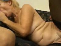 Ausgeleierte Rentnerin liebt den Rudelfick