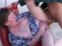 Oma liebt den Arschfick