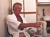 Schwuler Opa spritzt auf Fotos ab