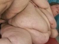 Unglaublich dicke Stute wird geknallt