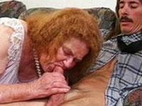 Rothaarige Oma will Sperma fressen
