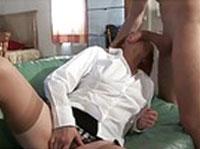 Rothaarige Hausfrau will Pornostar werden
