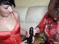 Lesbische Omas beim Dildofick