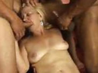 Gangbanged bekommt Alte Dame Rules of