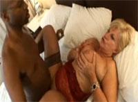 Oma hat Sex mit Neger