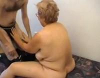 Dicke oma wird gefickt