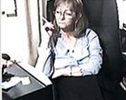 Oma raucht und masturbiert vor der Webcam