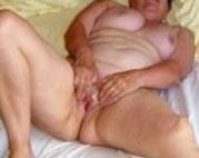 80 Jähriger die Titten gefesselt