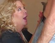 Ex Pornostar will als Oma nochmal gefickt werden
