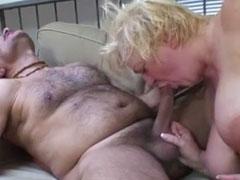 Fette Oma fickt mit ihrem haarigen Opa