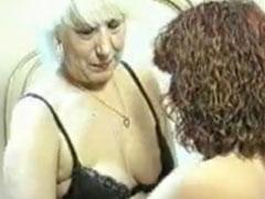 Lesbische alte Fotzen in Aktion