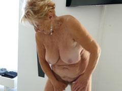 Oma geil auf Sex