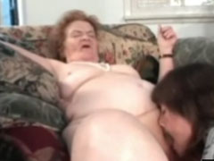 Oma mit Rollator gefickt