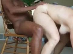 Oma gefickt von einem jungen Schwarzen