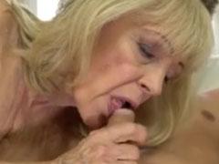 Oma zeigt euch ihre Blas Künste