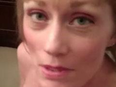 Oma zeigt wie geil sie Schwänze blasen kann