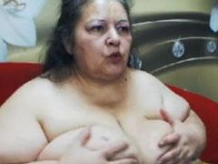 Oma Titten Pornofilm mit einer geilen Amateurin