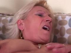 Geile Omas im Gruppensex Porno