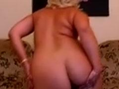 Oma hat einen geilen Arsch zu bieten