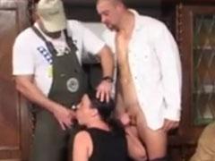 Oma Gruppensex Porno mit einer notgeilen Schlampe