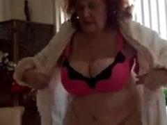 Auch eine grosse fette Oma braucht Sex