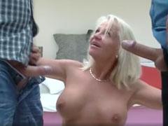 Sex zu dritt ist was für Oma