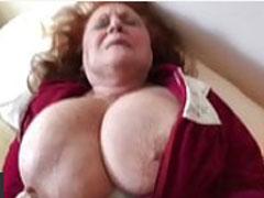 Omas grosse Titten sind geil