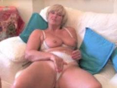 Dicke Titten Oma dreht Pornos