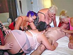 Oma Orgie mit fetten Schlampen