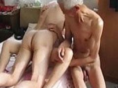 Geiler neuer asiatischer Grannyporno