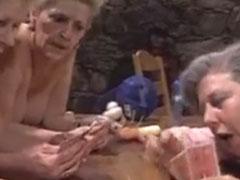 Oma Vintage Porno mit geilem Swinger Club Sex